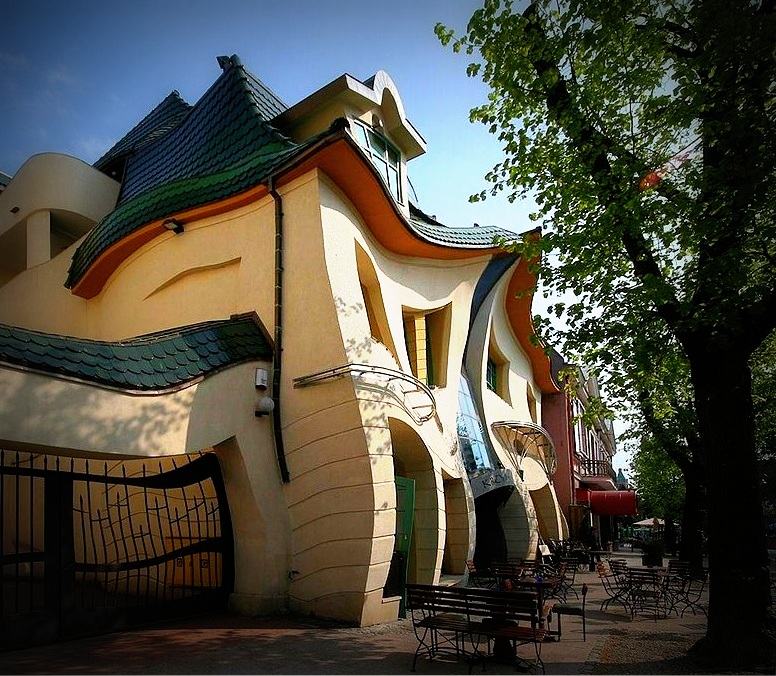 crooked-sopot-pologne