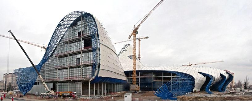 construction chantier zaha hadid Un centre culturel aux courbes fluides dessiné par Zaha Hadid