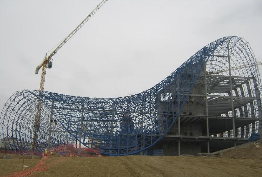 construction zaha hadid Azerbaïdjan Un centre culturel aux courbes fluides dessiné par Zaha Hadid
