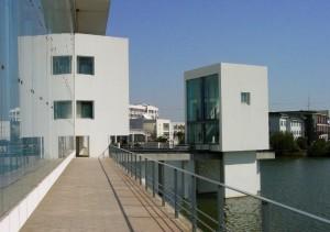 wang shu prix pritzker librairie college wenzhang 300x211 Wang Shu devient le premier architecte chinois lauréat du Prix Pritzker