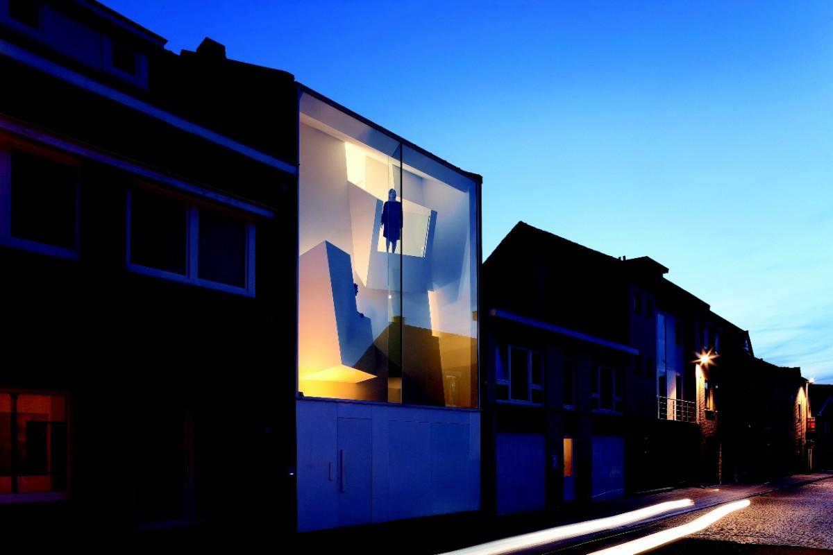 Architecture le concept de la maison troite par l 39 architecte gyptien bassam el okeily for Architecture maison en belgique