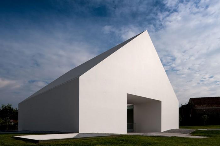 maison-sans-fenetre-architecture-insolite