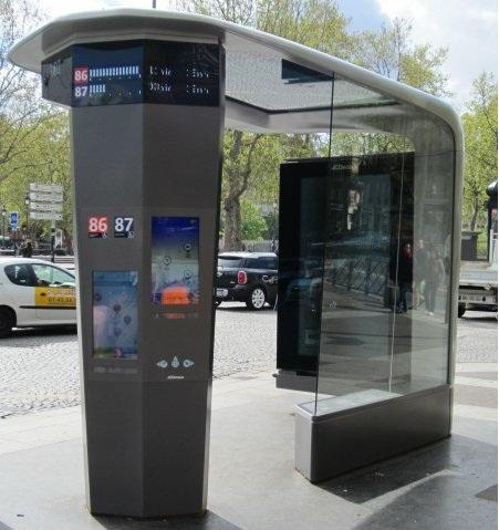 le prototype de la station de bus du futur install. Black Bedroom Furniture Sets. Home Design Ideas