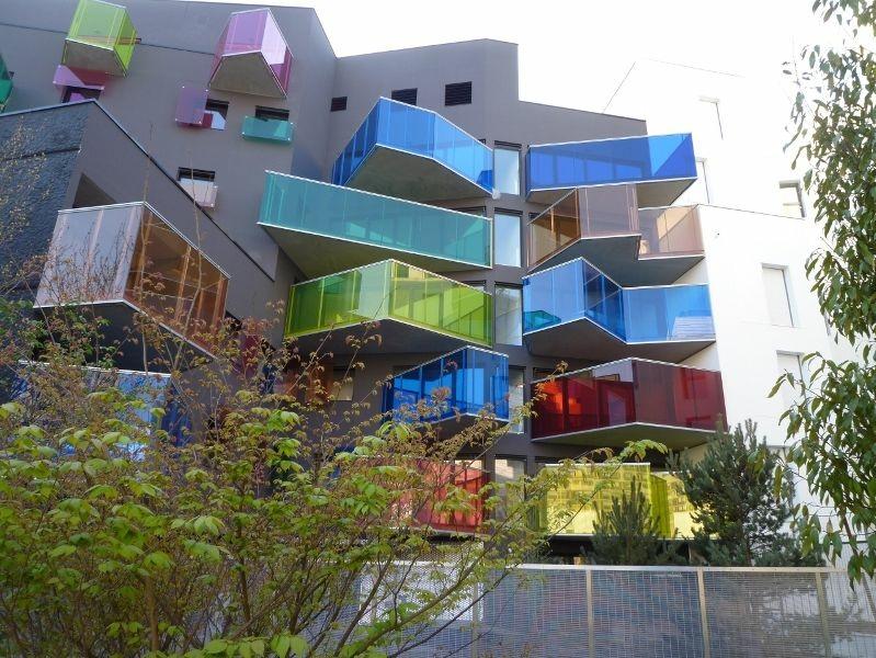 Ile seguin un immeuble d 39 habitat social haut en couleurs for Architecture de batiment moderne