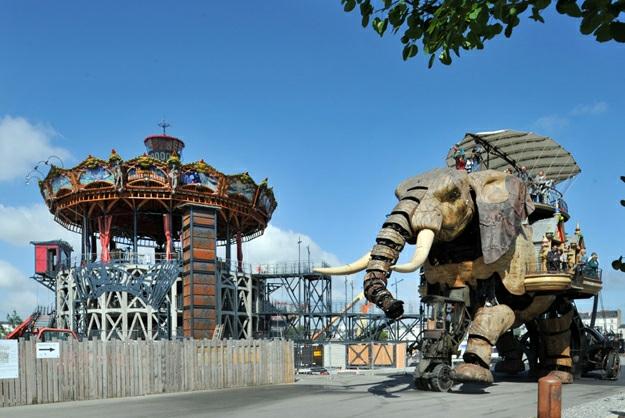 nantes-art-mobilier-urbain-carrousel