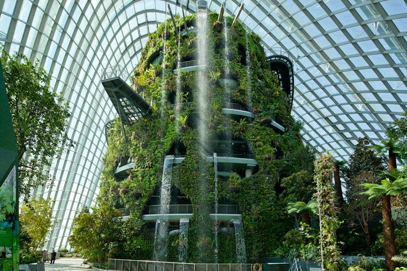 Serres cologiques singapour for Architecture futuriste ecologique
