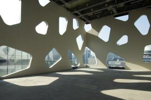Mikimoto Ginza tokyo 300x199 Le lauréat du prix Pritzker 2013 est larchitecte japonais Toyo Ito