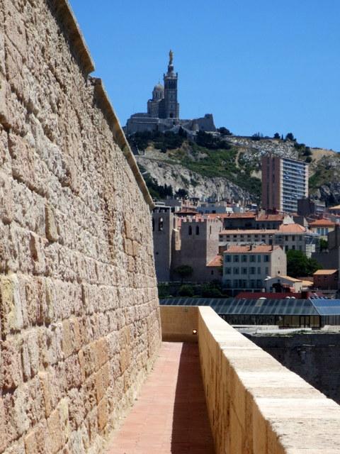 chemin-de-ronde-fort-saint-jean-marseille