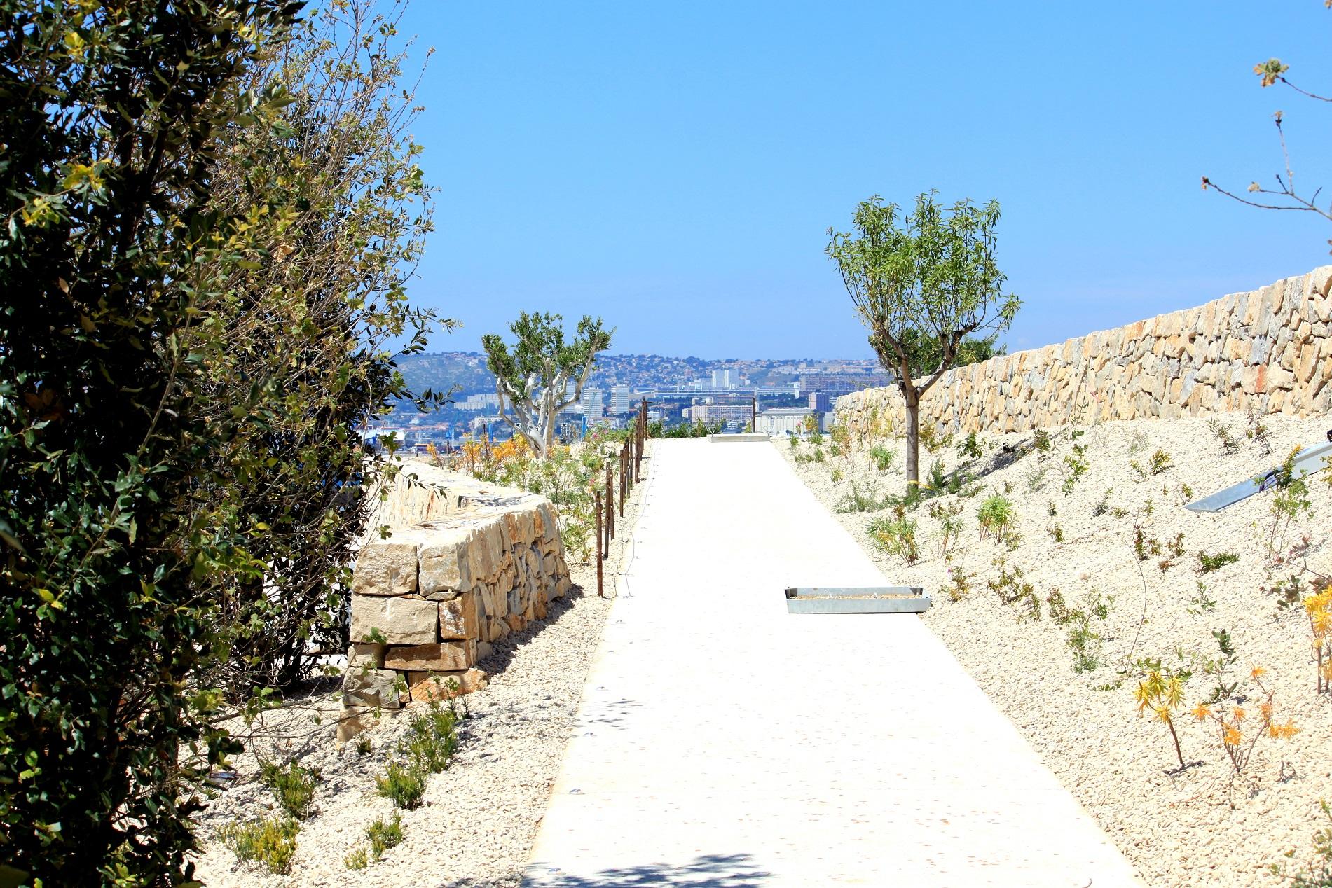 jardin-mediterraneen-saint-jean-marseille