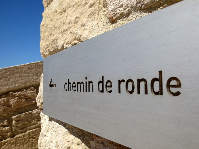 signaletique-fort-saint-jean-marseille-promenade