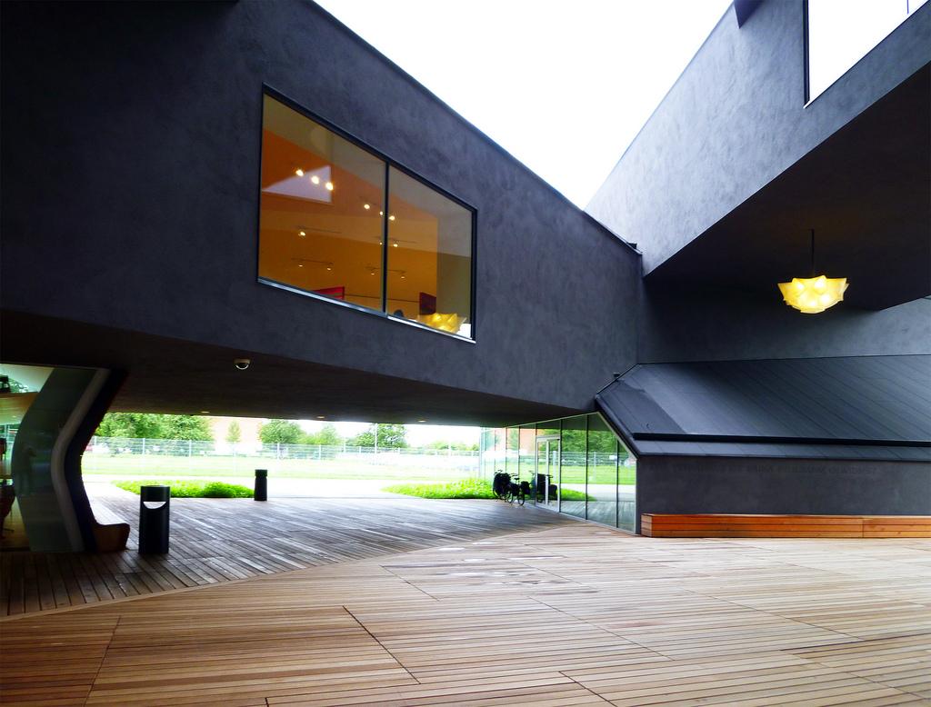 vitrahaus maisons empil es par herzog et de meuron. Black Bedroom Furniture Sets. Home Design Ideas