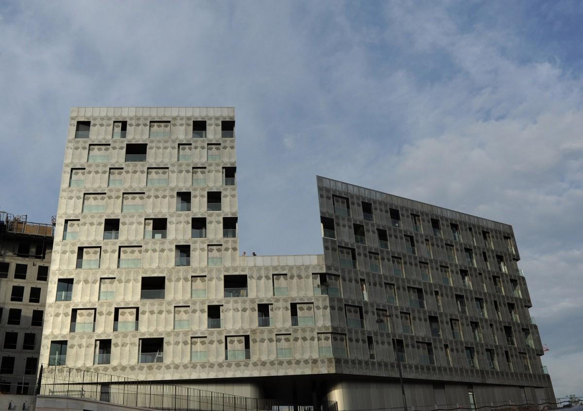 Reportage photos du b timent oressence quartier mass na for Photos architecture batiment