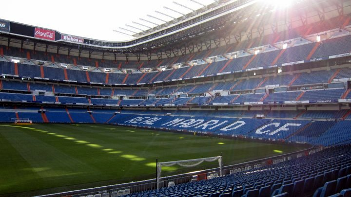 tribune-stade-real-madrid-football