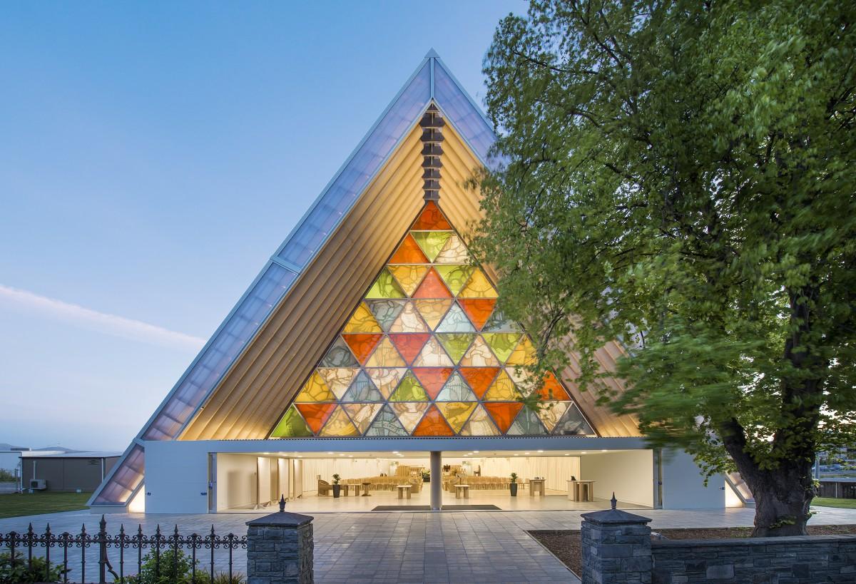 Shigeru Ban cathedrale eglise christchurch carton 1200x819 Le lauréat du prix Pritzker 2014 est l'architecte Shigeru Ban