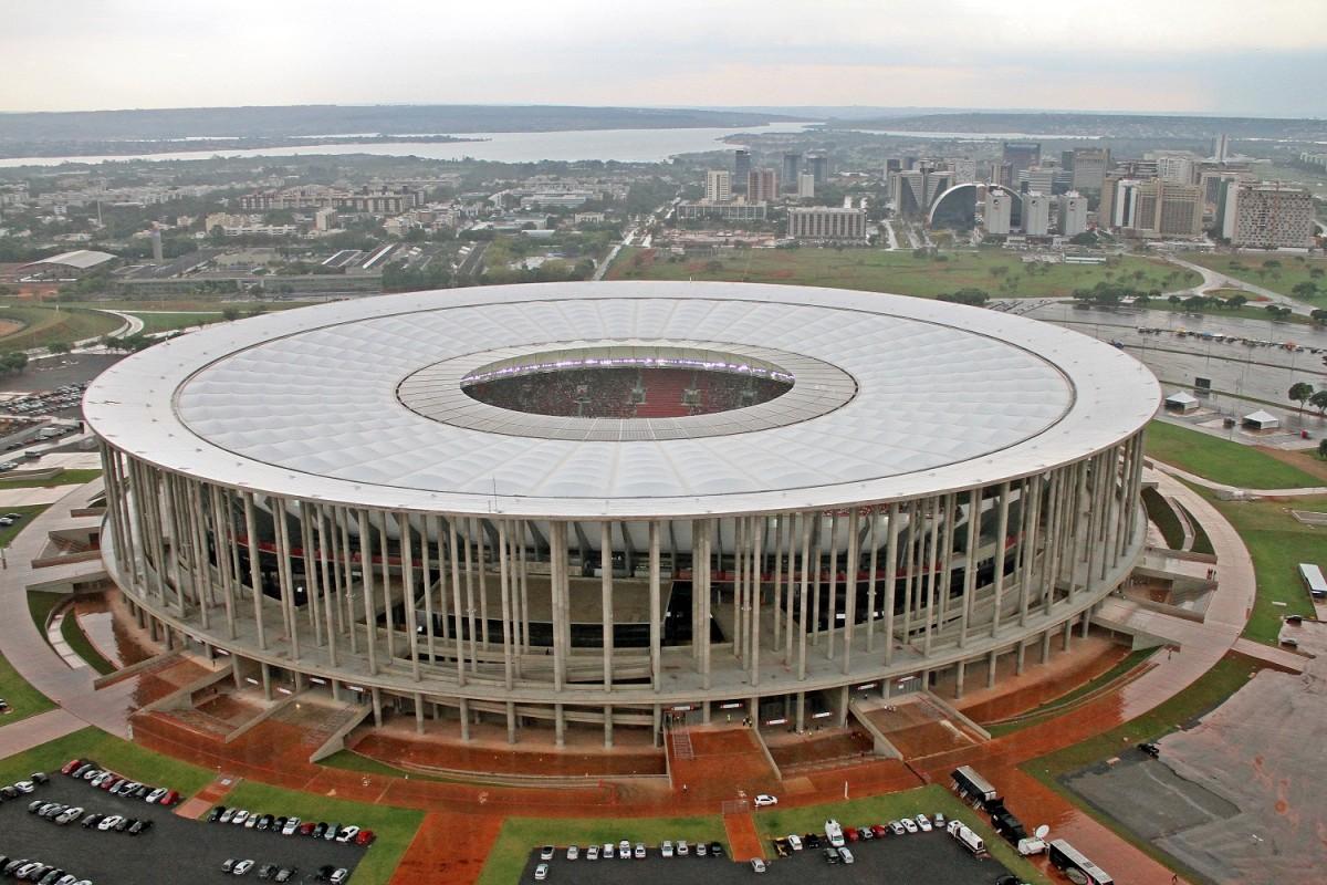 stade-bresil-brasilia-Garrincha