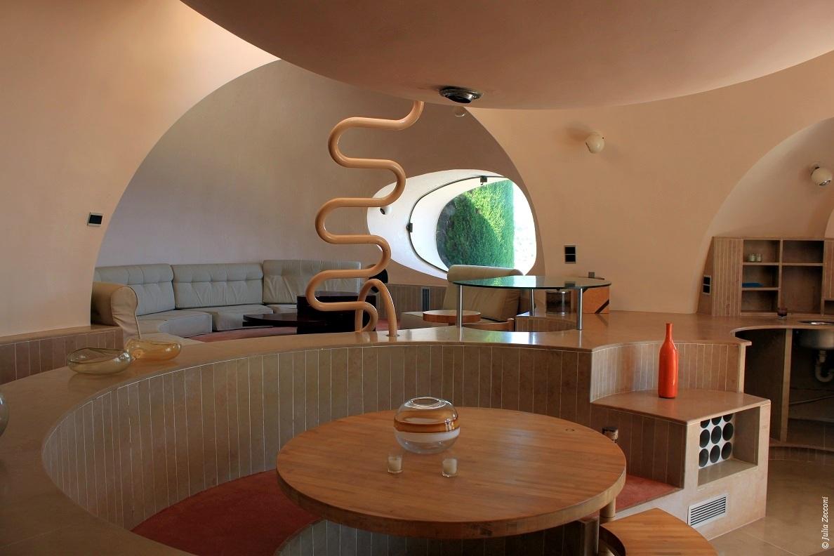 Interieur maison troglodyte for Deco appartement insolite