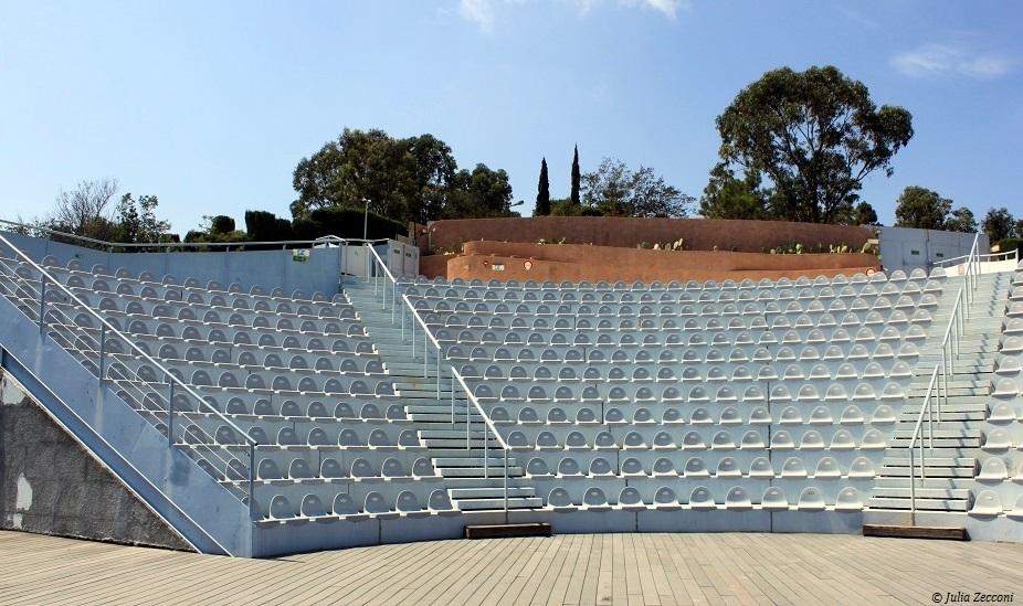 theatre-palais-bulles-pierre-cardin