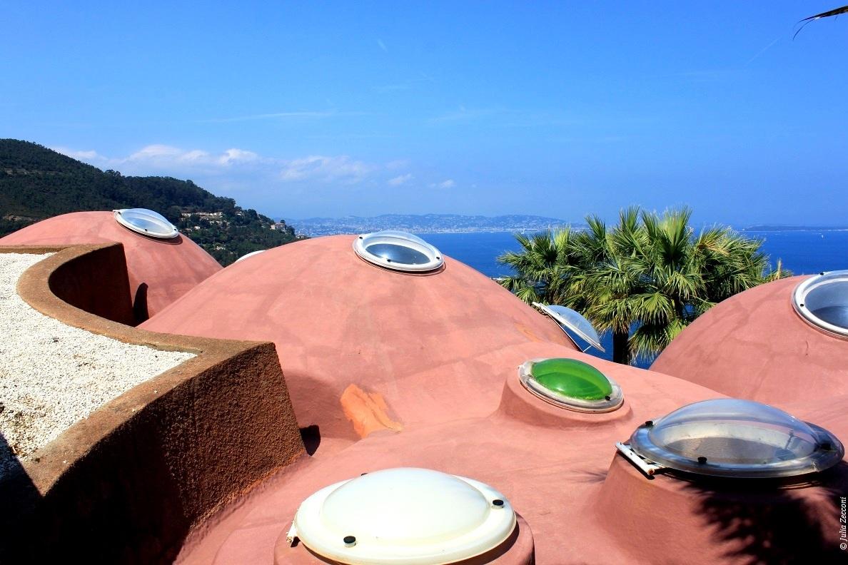 villa-bulle-pierre-cardin-design