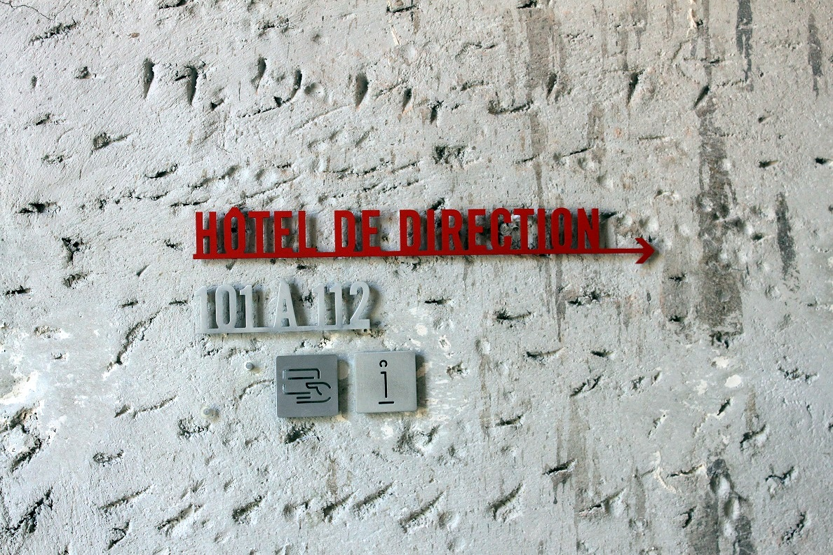 signaletique-panneau-direction-docks-marseille