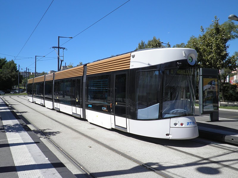120 projets de transports remis en question par l 39 cotaxe for Transport en commun salon de provence