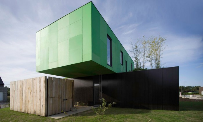 crossbox cgarchitectes maison container architecture 700x421 La Crossbox de CG Architectes : maison container