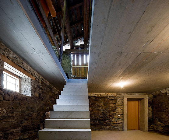 la c l bre villa vals maison troglodyte en suisse. Black Bedroom Furniture Sets. Home Design Ideas