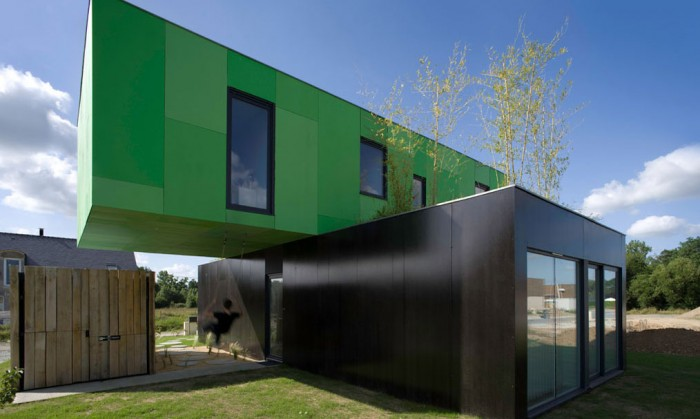 maison container design exterieur 700x419 La Crossbox de CG Architectes : maison container