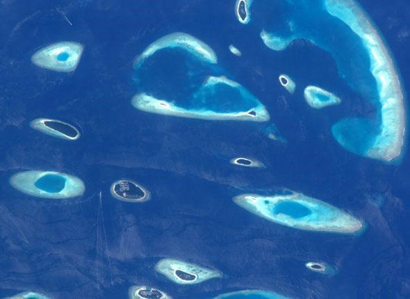 maldives-vues-depuis-espace-nasa