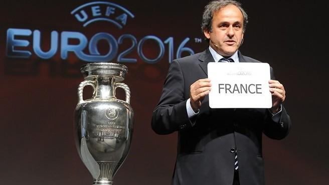 http://projets-architecte-urbanisme.fr/images-archi/michel-platini-president-uefa-football.jpg