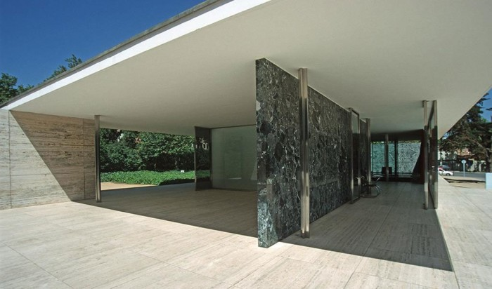 mis van der rohe pavillon allemand 700x412 Mies van der Rohe