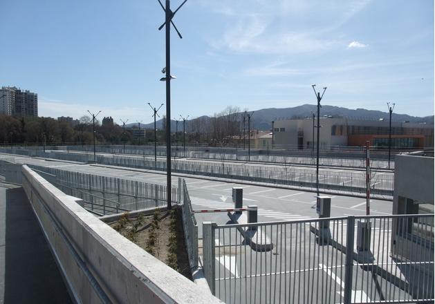 Le r seau de transports en commun marseillais rtm s 39 agrandit for E parking marseille