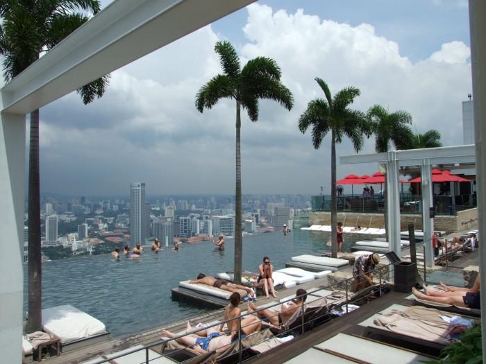 L 39 h tel le plus cher du monde marina bay sands singapour for Singapour hotel piscine sur le toit