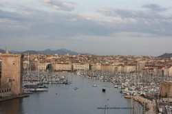 vieux-port-marseille-vu-depuis-pharo