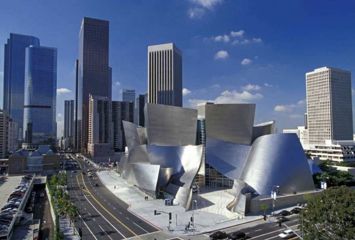 walt disney conert hall frank gerhy 700x474 Frank Gehry