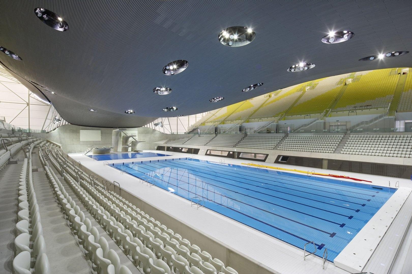 la piscine des jeux olympiques de londres 2012 par zaha hadid